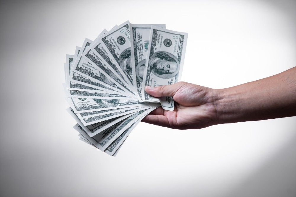 how do freelance writers get paid