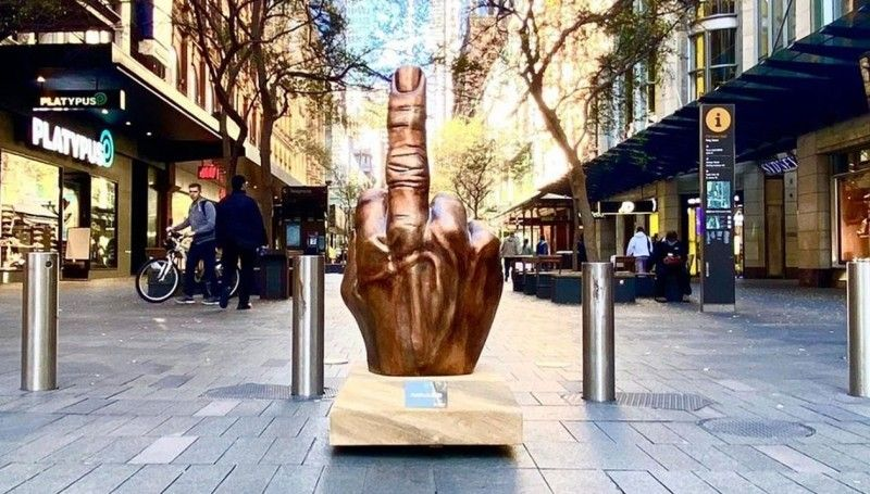 viral marketing campaign - circles life middle finger sydney