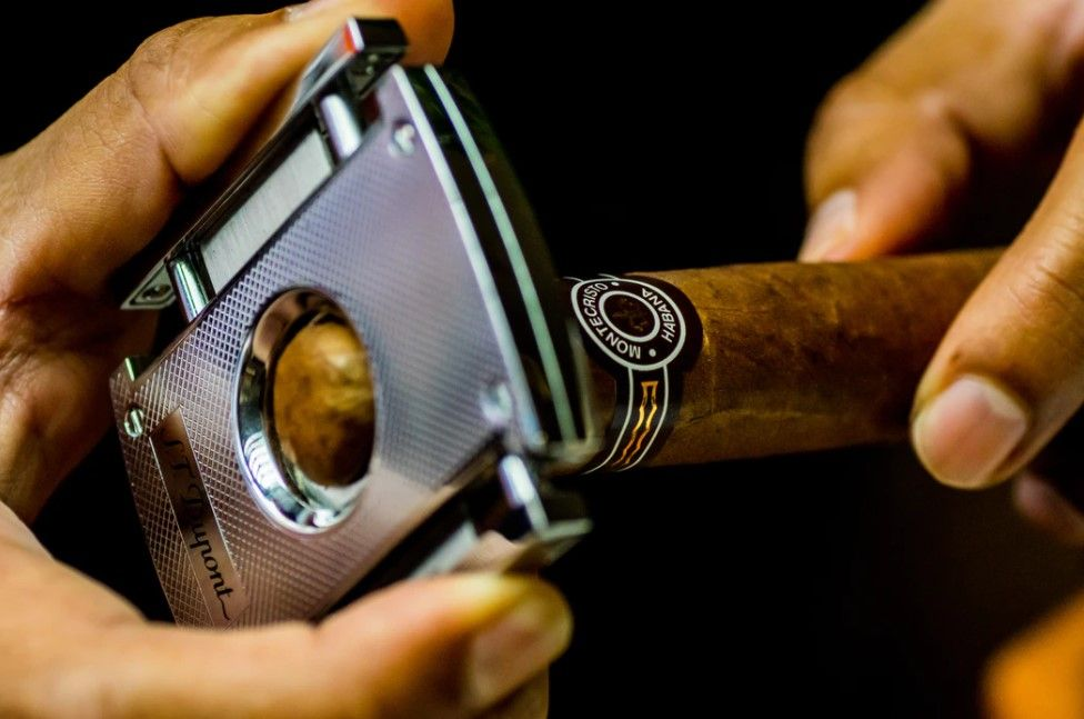 Brands on ContentGrow are seeking luxury cigar writers
